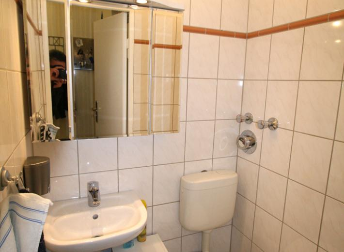 danziger und weibezahl berlin vermietet 3 zimmer wohung im kleinen hansaviertel. Black Bedroom Furniture Sets. Home Design Ideas
